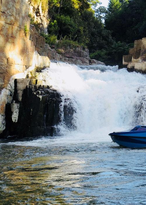 Kiwi Jet Boat Tours