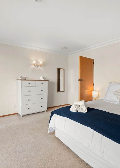 Stay Tauranga Waterfront House with Boat House