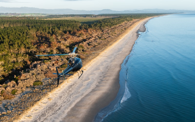 Mount and Maketu scenic flight - Aerius Helicopters