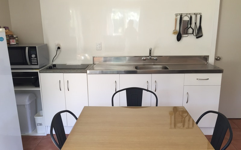 Fully equipped kitchen and dining for 4