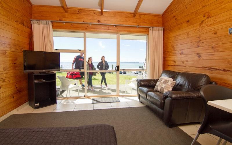 Papamoa Beach Resort Holiday Park & Motels. Deluxe Holiday Unit