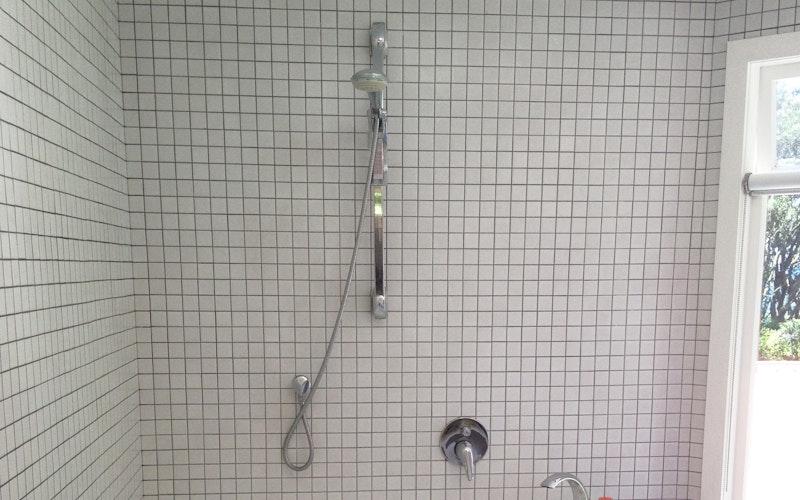 East studio spa bath