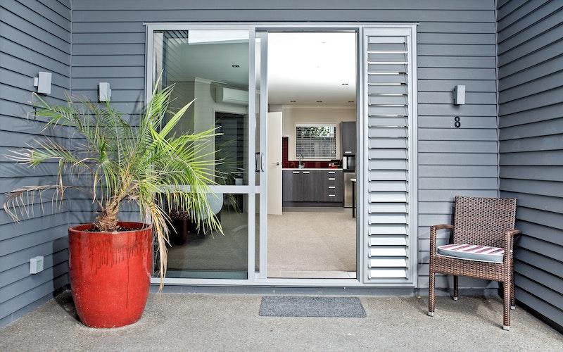 Entrance to Executive Studio unit.
