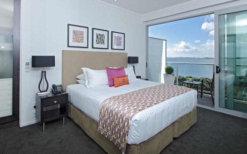 Hotel on Devonport Harbourview Room